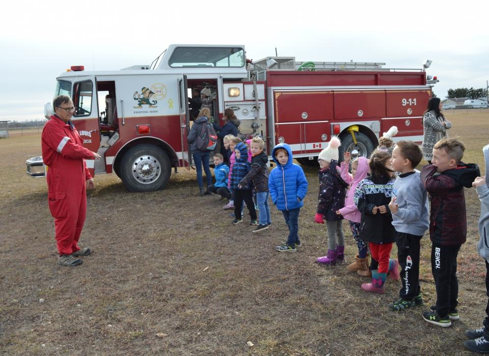Volunteer Fire Fighter Demonstration (12)