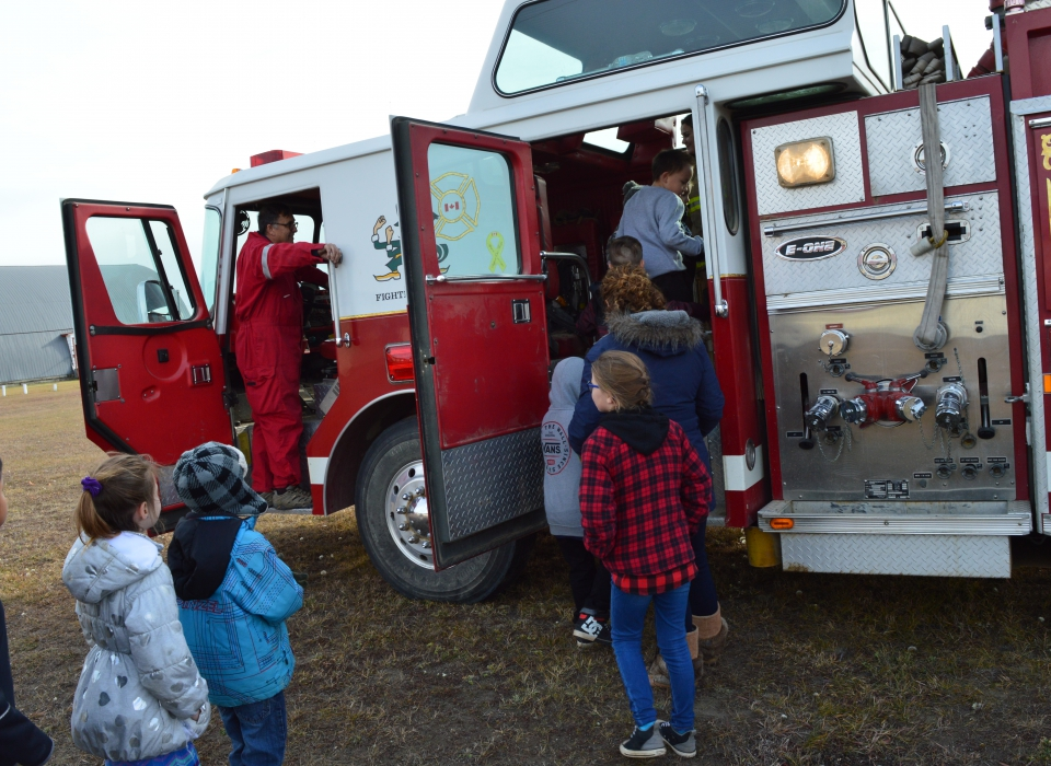 Volunteer Fire Fighter Demonstration (14)