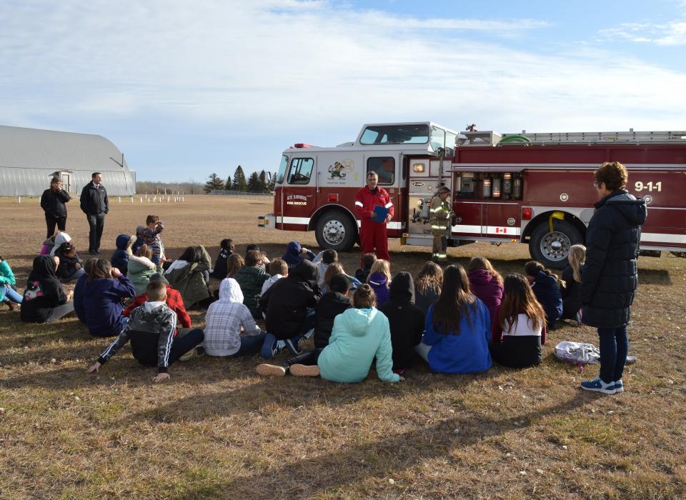 Volunteer Fire Fighter Demonstration (18)