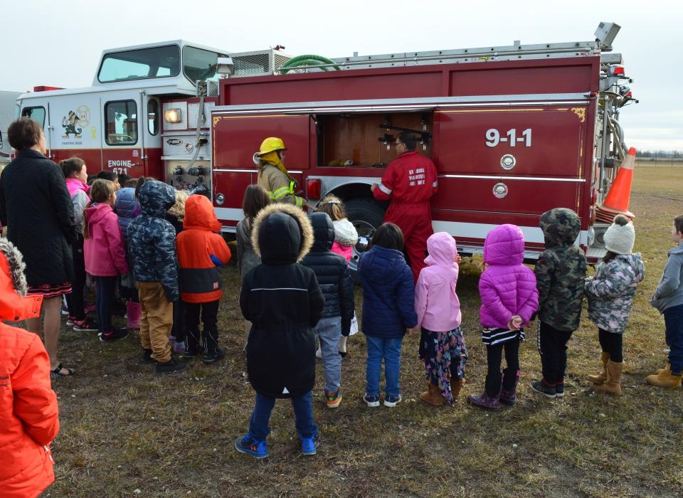 Volunteer Fire Fighter Demonstration (3)