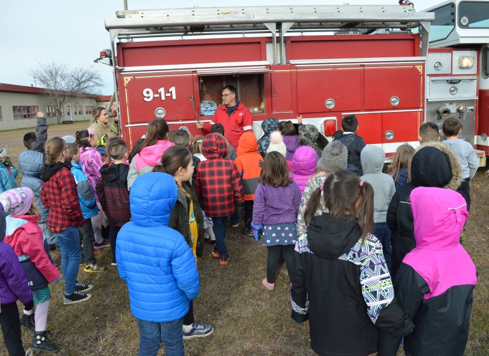 Volunteer Fire Fighter Demonstration (6)